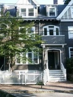 18 Hilliard St, Cambridge, MA 02138 - Zillow Elegant & spacious row house with sound proof brick party wall in The Half Crown Historic District of Harvard Square. One of five houses built in 1911 by the Fuller family for their five daughters. This home has the feel of a new condo with old Cambridge. charm.