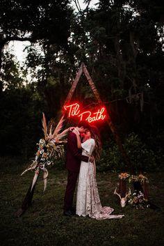 'Til Death - Neon Sign - Wedding neon light Edgy Wedding, Wedding Goals, Wedding Trends, Fall Wedding, Dream Wedding, Wedding Ideas, Modern Wedding Decorations, Punk Rock Wedding, Speakeasy Wedding
