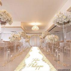White Wedding Decorations, Luxury Wedding Decor, Table Decorations, Wedding Stage, Dream Wedding, Wedding Day, Wedding Aisles, Wedding Backdrops, Ballroom Wedding