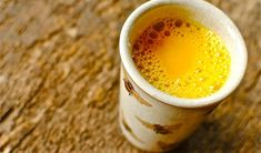 Health Remedies How To Make Turmeric Pain Relief Tea - Organic Medicine Book - There might have been a time when all of us decided to treat our headaches, backaches and other body pains with medications, based on ibuprofen (Motrin, Nurofen, Advil Herbal Remedies, Health Remedies, Healthy Life, Healthy Living, Bebidas Detox, Turmeric Milk, Turmeric Paste, Turmeric Recipes, Get Thin