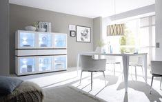 Velmi moderní, designově čistý italský nábytek vhodný do obývacích pokojů i jídelen. Office Desk, Dining Bench, Furniture, Medium, Home Decor, Kitchen Dining Rooms, Essen, Desk Office, Decoration Home