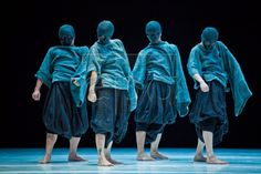 epa03919888 Members of theatrical company TAO Dance Theatre, based in China, perform during the 41st International Festival Cervantino in Gu...