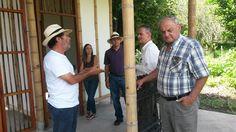 www.bambuturismo.com  El día jueves 19 de Noviembre se realizó la inauguración de la caseta de ingreso al Paraíso del Bambú y la Guadua, con la presencia de los miembros de la #JuntaDirectiva de la #SociedadColombianadelBambú y del arquitecto #SimónVélez, diseñador y constructor de la misma.  Contacto: bambuturismo@gmail.com / 3174231906 - 3128437688 - 3122528347 / ubicados en la Finca