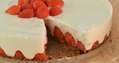 Aardbeien-Mascarponetaart - no bake strawberry cheesecake. Lijkt me erg lekker No Bake Desserts, Just Desserts, Delicious Desserts, Yummy Food, Baking Recipes, Cake Recipes, Dessert Recipes, Cake Cookies, Cupcake Cakes