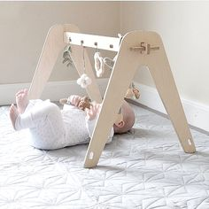 New Arrivals! The gorgeous and playful baby gym by Loullou, all the way from Danemark. Scandinavian design at its best! + Nouveauté: Les magnifiques et ludiques gym pour bébé de la marque danoise Loullou. En stock now! Baby Design, Newborn Room, Baby Activity Gym, Baby Gym, Woodworking For Kids, Modern Kids, Baby Furniture, Children Furniture, Wood Toys