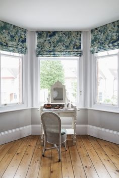 Made to Measure Bay Window Blinds Made to Measure Bay Window Blinds F 038 P Interiors fabricspapers Made to Measure Curtains and Blinds Bay windows bring in an nbsp hellip Bay Window Bedroom, Bay Window Blinds, Bay Window Living Room, Bedroom Windows, Curtains With Blinds, Blinds For Windows, Window Seats, Living Room Roman Blinds, Kitchen Roman Blinds