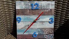 Een oude klok pimpen of heel eenvoudig zelf maken? Kijk op www.101creaties.nl Clock, Caravan, Diy, Beach, Home Decor, Style, Watch, Swag, Decoration Home