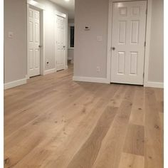 White Oak European Sawn - Evelien OIL 5/8 x 7 1/2 x 24-75 Rustic 4mm Wear Layer Medium Brushed- Engineered Prefinished Flooring