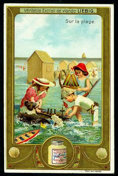 """Liebig -S913- """"Sur la plage"""" _Playing With Toy Boats. (1907 Belgian trade card)"""
