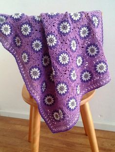 Transcendent Crochet a Solid Granny Square Ideas. Inconceivable Crochet a Solid Granny Square Ideas. Crochet Daisy, Manta Crochet, Crochet Granny, Crochet Motif, Crochet Designs, Kids Crochet, Crochet Afghans, Crochet Squares, Crochet Blanket Patterns