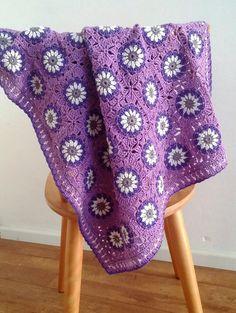 """Daisy garden"" baby crochet blanket, Granny square blanket; New Crochet pattern by BlageCrochetDesign on Etsy"