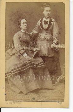 Antique Austrian CDV/visit card with elegant ladies Georg Suckdol Wien late 1800 Lady, Vintage Fashion, Antiques, Painting, Antiquities, Antique, Painting Art, Paintings, Fashion Vintage