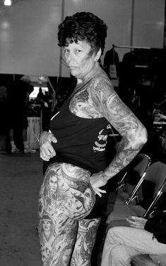 Tattoo tatuaje old people elder Cultura Older People With Tattoos, Old Tattooed People, Tattoo People, Tattoos For Guys, Tattoos For Women, Models With Tattoos, Tattooed Man, Tattooed Models, Dog Tattoos