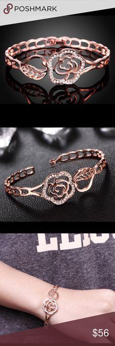 Rose Gold Rhinestone Flower Bracelet Beautiful and new! Jewelry Bracelets