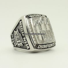 2007 New York Giants Super Bowl XLII Championship Ring.Best gift from www.championshipringclub.com for Giants fans. Custom your own personalized championship ring now!