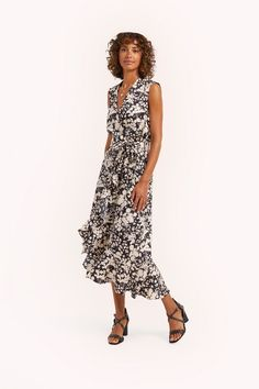 REBECCA MINKOFF Assia Dress. #rebeccaminkoff #cloth Clothes For Sale, Clothes For Women, Dress Backs, Rebecca Minkoff, Designer Dresses, Dress Outfits, Elastic Waist, Model, How To Wear