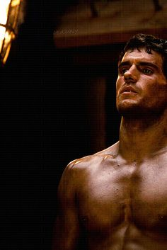 Henry Cavill in immortals..wtf, he needs to stop being so hot.