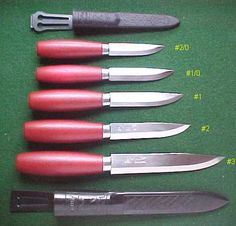 Ragnar's Ragweed Forge imports and distributes Scandinavian knives, widely known for simplicity and elegance. The Swedish knives have a minimalist style combining excellent quality with low cost and superb functioning. Mora Classic, Mora Knives, Kydex Sheath, Ragnar, Knives And Tools, Custom Knives, Knife Making, Bushcraft, Wood Carving