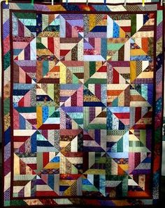 Scrap Quilt As You Go Twenty-Six Free Scrappy Quilt Patterns Patchwork Quilting, Scrap Quilt, Colchas Quilt, Scrappy Quilt Patterns, Jellyroll Quilts, Crazy Quilting, Quilt Blocks, Jelly Roll Quilt Patterns, Quilting Projects
