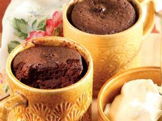 Yummy pud in a mug Quick Puddings, Winter Desserts, South Africa, Microwave, Foodies, Sweet Treats, Recipies, Dessert Recipes, Cooking Recipes