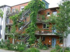 Image 10 for 'Vauban, Freiburg' gallery Architecture Images, Green Architecture, Landscape Architecture, Landscape Design, New Urbanism, Green Facade, Eco City, Green Sky, Arquitetura