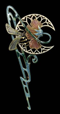 Georges Fouquet, Brooch, Paris, France, 1901, Gold and enamel.