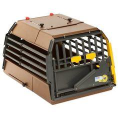 Bella, bella, bella. La migliore gabbia per cani da auto del mondo. Questi svedesi ci sanno proprio fare.