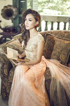 Beautiful westernized modern bridal Áo dai