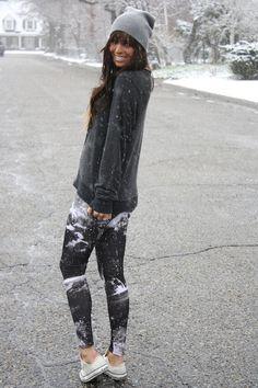 #beanie #baggysweater #leggings #converse