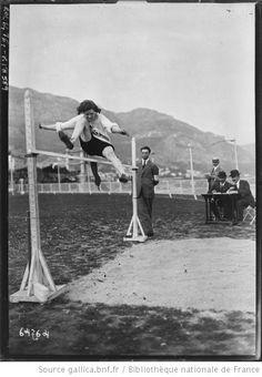 26-3-21, Monte-Carlo, Miss Hatt [au] saut en hauteur [olympiades féminines] : [photographie de presse] / [Agence Rol] - 1