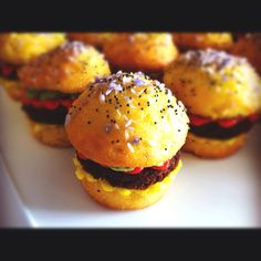 Hamburger cupcakes! Perfect for today's BBQ
