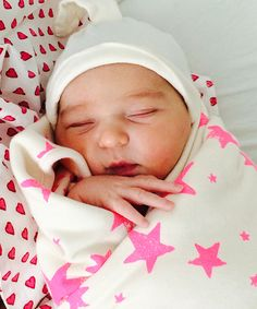 Celebrity baby news: Molly Sims gave birth to Scarlett May Stuber