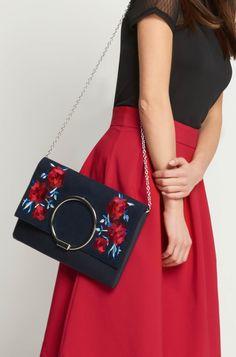 Kopertówka z haftem w kwiaty