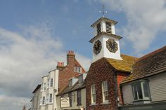 https://flic.kr/p/GUkST4   Steyning Village Sussex   www.adamswaine.co.uk Steyning (/stɛnɪŋ/) is a small rural town and civil parish in the Horsham District of West Sussex, England. It is located at the north end of the River Adur gap in the South Downs, four miles (6.4 km) north of Shoreham-by-Sea. The smaller villages of Bramber and Upper Beeding constitute, with Steyning, a built-up area at this crossing-point of the river