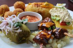 "Restaurant ""Tanta"" Displayed Here >> Degustação, Combination Platter with Authentic Peruvian Taste Treats, Mmm, Mmm Delicioso. -=- Located @ Avenida Pancho Fierro 117, San Isidro, Lima, Peru :: YUM"