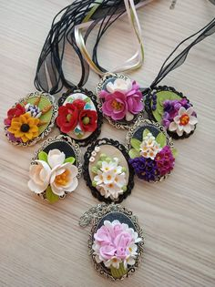 Homemade Polymer Clay, Sculpey Clay, Polymer Clay Figures, Cute Polymer Clay, Polymer Clay Flowers, Polymer Clay Necklace, Polymer Clay Crafts, Clay Mugs, Ceramic Clay