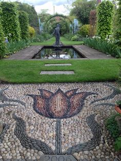 Been to see this wonderful garden today in East Lothian created by Charles and Anne Fraser. Many inspiring ideas. pic.twitter.com/QNqHs35nzy