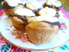 SPLENDID LOW-CARBING BY JENNIFER ELOFF: CINNAMON SWIRL, SNOW-CAPPED MUFFINS - Like little cinnamon buns!  Good enough for high-carb company! Visit us at: https://www.facebook.com/LowCarbingAmongFriends and https://www.facebook.com/LowCarbHitParade