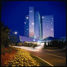 Mohegan Sun, Uncasville, CT - Playing, Staying, Dining, Shopping & Entertainment!