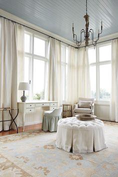Ballard Designs Bridal Suite in Rhodes Hall