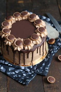 Delicious little cake with hazelnut, nougat and mascarpone. Delicious Cookie Recipes, Sweet Recipes, Cake Recipes, Sweet Desserts, Food Cakes, Cupcake Cakes, Cupcakes, Brownie Desserts, Torte Au Chocolat