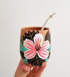 Pottery Painting, Ceramic Painting, Flower Pot Design, Decorated Flower Pots, Cat Eye Nails, Biscuit, Painted Pots, Diy Arts And Crafts, Diy Canvas