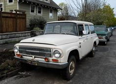 Almost like the one my dad got new, paid cash, I believe, in '66 - 1966 International Harvester Travelall 1200