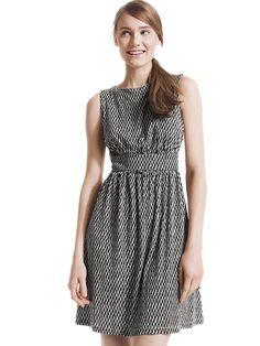 "Joe Fresh™ Print dress // LOVE the fit of this dress! I feel like it would really flatter my ""coke-bottled"" figure shape. Only Fashion, Womens Fashion, Cool Outfits, Fashion Outfits, Joe Fresh, Dress Up, Dress Skirt, Ellen Tv, Style Me"