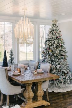 2017 Holiday Housewalk » Kindred Vintage & Co.