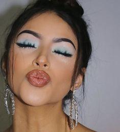pinterest: @ nandeezy  Smokey Eye For Brown Eyes nandeezy Pinterest Green Eyeshadow Look, Makeup Looks For Green Eyes, Makeup Eye Looks, Green Makeup, Cute Makeup, Glam Makeup, Pretty Makeup, Cute Eyeshadow Looks, Light Makeup Looks
