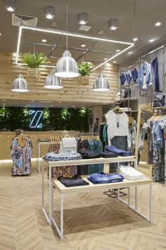 ZINZANE - Plaza Shopping - pkbarquitetura Source by mimimii clothing store Clothing Store Interior, Clothing Store Displays, Clothing Store Design, Fashion Store Design, Boutique Decor, Retail Store Design, Store Interiors, Shop Layout, Shop Interior Design