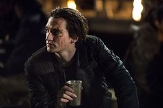 The 100 CW - Fog of War - E2x06 promo - Richard Harmon John Murphy, fully rehabilitated and integrated in society