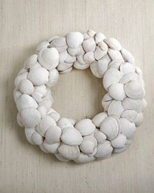 clamshell wreath