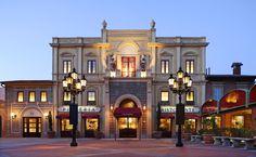 """Via Napoli in """"Italy"""" at Epcot in Walt Disney World Florida. Walt Disney World, Disney World Resorts, Comida Disney World, Vegan Disney World, Disney World Restaurants, Disney World Florida, Disney Vacations, Disney Trips, Disney Parks"""